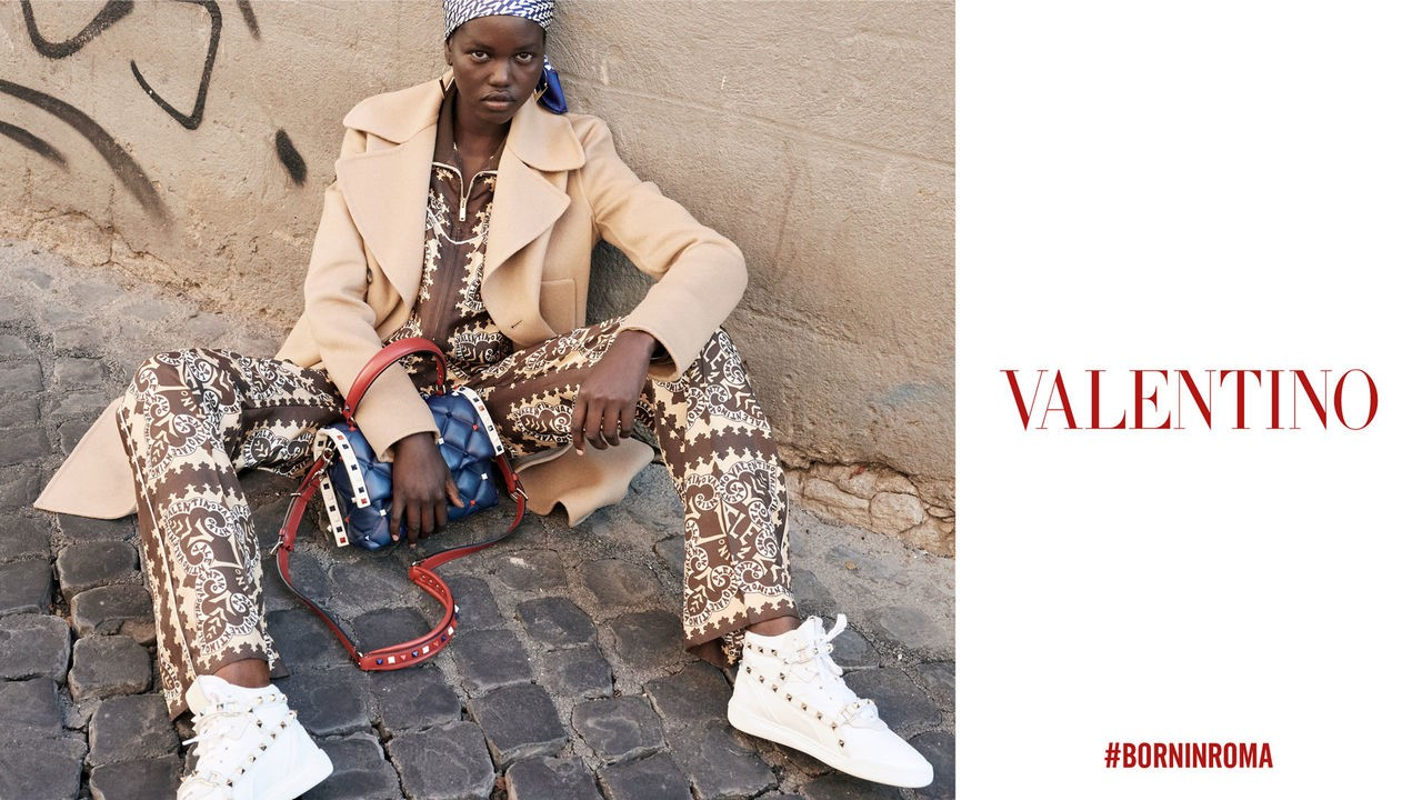 b0fa2ce35530 VALENTINO WOMEN'S RESORT 2019. Credit: vOGUE. A year ago Pierpaolo Piccioli  was in New York presenting a Valentino collection influenced by the street.